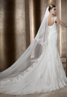 Pronovias Balanza 10UK Off White | McElhinneys Bridal Rooms