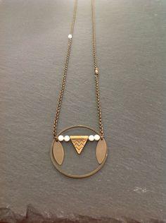 """Sautoir """"apache"""" bronze et perles de swarovski ivoire Pendentif composé d'un cercle, triangle et navette en laiton bronze et perles de swarovski ivoire Monté sur une chaîne de - 9213387"""