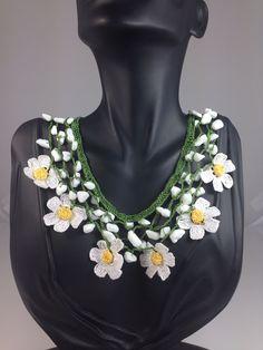 Handmade crochet  daisy necklace. White-Green-Yellow