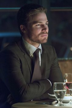 Pin for Later: Arrow: You Need Every Last One of These Sexy Oliver Queen Pictures