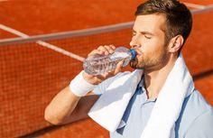 En este post te damos una serie de #consejos para llevar una correcta #hidratacion en #padel