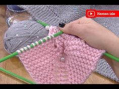 Derya Baykal'la Gülümse: Kalp Yastık Yapımı - YouTube Knitting Wool, Easy Knitting, Knitting Socks, Knitting Patterns, Knitted Baby Clothes, Knitted Bags, Knitting Videos, Crochet Videos, Cotton Crochet