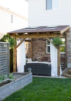 Winter is on it's way, so why not use it to plan your spring projects? This DIY covered patio is the perfect addition to your home's garden! Bringing the interiors outdoors! {via My Daily Randomness} #HDBlogSquad