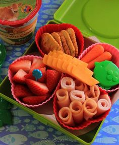 Want to try these cute bento finger foods.#gladinspiredlunches