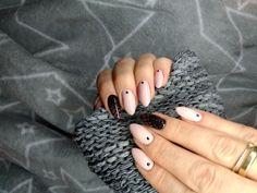 #paznokcie #nails #nailart #manicure #hybridnails #rajstopowepaznokcie #nudenails #blacknails Nailart, Beauty, Beleza
