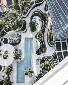 Grove at Grand Bay   Loopy curvilinear forms by Raymond Jungles for BIG