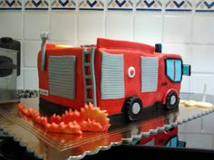 Mayvicake: Tarta camión de bomberos para Tiago y Leonor