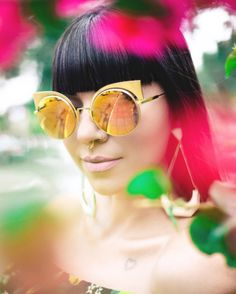 Para uma primavera rica em cores  Fendi Eyeshine  @crisales__ #envyotica #fendi #fendieyeshine #sunnies #sunglasses