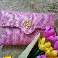 decoupage clutch bag pandan polos pink  👛💖😍, bagian dalam full furing, bagian luar full pandan,  p 32.5 x t 19.5 cm,  bentuk slorot