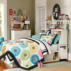 Farbgestaltung fürs Jugendzimmer – 100 Deko- und Einrichtungsideen - große blumenmuster zimmerdesign kommode frisch mädchen