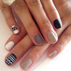 Nail design greys