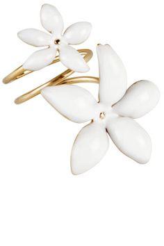 Carolina Herrera tells us her essentials for Spring: CH Carolina Herrera ring