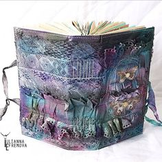 What an amazing cloth cover using Lindy's by @yulianna_efremova simply WOW!!!! #artjournal #alteredcover #sprays #lindystampgang #mixedmedia