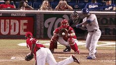 Foul ball rips through net behind plate, hits woman at Nationals game | Big League Stew - Yahoo! Sports