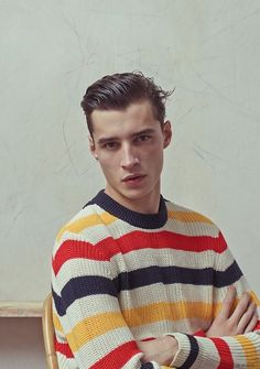 Adrien Sahores by Karim Sadli - De Fursac, Spring/Summer 2015 - Tricot 02 Mode Masculine, Top Hairstyles For Men, Spring 2015 Fashion, Look Vintage, Well Dressed, Mens Fashion, Fashion Tips, Fashion Menswear, Fashion Trends