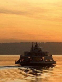 Steilacoom-Anderson Island Ferry at dawn