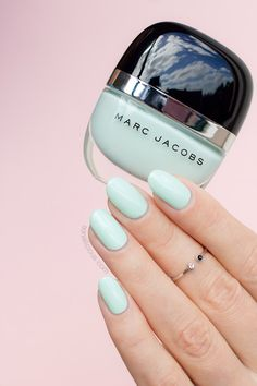 Light mint nail polish || Marc Jacobs Good Friday Review + Swatches