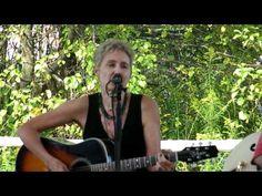 ▶ Eliza Gilkyson sings Green Fields - YouTube