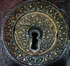 Antique Lock  http://media-cdn.pinterest.com/upload/258253359852109898_SFIyr7mp.jpg
