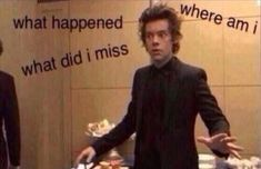 Me walking into the fandom and seeing Harry and Kendell trending Memes One Direction, Four One Direction, One Direction Pictures, Harry Styles Memes, Harry Styles Pictures, Harry Styles Imagines, Stupid Funny Memes, Funny Relatable Memes, Response Memes
