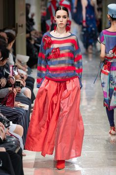 Giorgio Armani Resort 2020 Fashion Show - Vogue Fashion 2020, Love Fashion, Spring Fashion, Womens Fashion, Fashion Trends, Giorgio Armani, Emporio Armani, Armani Collection, Fashion Show Collection
