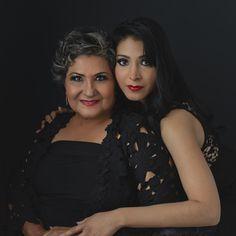 Black outfits, sesión de fotos madre e hija #melissaalcantarfotografia #photoshoot #portrait #motheranddaughter #motheranddaughterphotoshoot