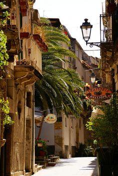 Siracusa-Ortigia, Via del Consiglio Reginale, Italy