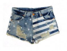 Short jeans customizado com listras