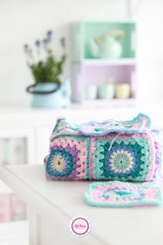 Syl loves, pastel, granny square, crochet