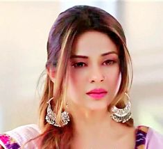 Psycho Girl, Jennifer Winget Beyhadh, Looking Gorgeous, Beautiful, Celebrity Couples, Beauty Queens, Stylish Girl, Indian Beauty, Bollywood Actress