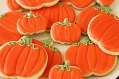 Iced Fall Sugar Cookies ~ cookie and icing recipe #food #recipes