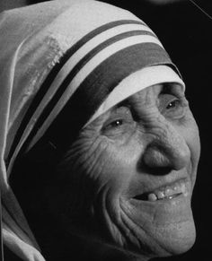 "Mère Thérésa | Mother Theresa | Irmã Teresa ................. #GlobeTripper® | https://www.globe-tripper.com | ""Home-made Hospitality"" 