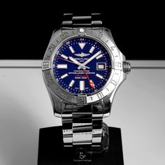 Tonight we present this in mint condition, pre-owned #Breitling #Avenger II #GMT for the special price of €3.000,-! The time is now to get your hands on this tough #gentleman's #watch! For more information, please contact us!