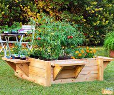 Uma ideia criativa e funcional para você copiar no seu jardim. Você pode plantar, por exemplo, tomates, pimentões e flores para colorir ainda mais o espaço.