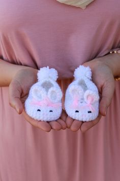23 Ideas For Baby Crochet Shoes Bunny Slippers Baby Girl Crochet, Crochet Baby Shoes, Crochet Baby Clothes, Crochet Bunny, Cute Crochet, Crochet For Kids, Booties Crochet, Crochet Slippers, Baby Booties