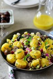 Griechischer Kartoffelsalat Vinaigrette, Quinoa, Potato Salad, Berry, Potatoes, Ethnic Recipes, Food, Greek Potato Salads, Potato
