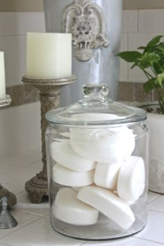 Glass Jars I love this way of organizing and displaying soap!I love this way of organizing and displaying soap! Bathroom Spa, Simple Bathroom, Bathroom Storage, Bathroom Ideas, Bathroom Staging, Parisian Bathroom, Relaxing Bathroom, Neutral Bathroom, Glass Bathroom