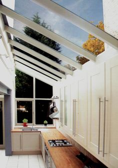 If we have to stay where we are - victorian terraced house side return extension… Extension Veranda, Conservatory Extension, Conservatory Kitchen, Glass Extension, Extension Ideas, Kitchen Extension With Glass Roof, Lean To Conservatory, Extension Google, Conservatory Decor