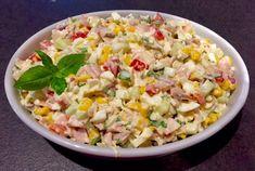 Pyszna sałatka z sosem czosnkowym - Blog z apetytem