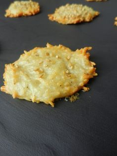 Emmenthal appetizer cookies // super easy - to use your egg whites - video explanation! - C gourmet secrets - apero - Tapas, No Gluten Diet, Snacks, Superfood, Finger Foods, Cookies, Entrees, Food And Drink, Appetizers