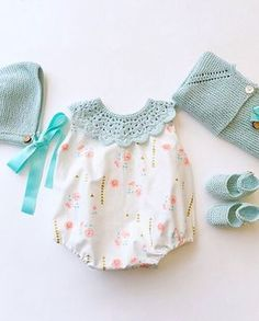 Likes, 26 Kommentare - Kindermode Made in Spain ( . - baby fashiOn : the modern baby - Baby Girl Romper, Little Girl Dresses, Baby Bodysuit, Baby Dress, Baby Onesie, Baby Romper Pattern, Baby Knitting Patterns, Baby Girl Fashion, Kids Fashion