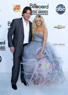 Carrie underwood and mike fisher carrie underwood for Who is carrie underwood married too