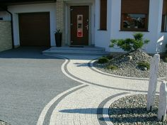Garden Slabs, Garden Edging, Patio Chico, Lanai Patio, Deco, Stone Driveway, Outdoor Buildings, Front Yard Design, Tropical Landscaping