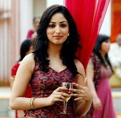 Yami Gautam Bollywood Actress And Fashion Model . India Beauty, Asian Beauty, Yami Gautam Wallpapers, Yami Gautam Images, Dark Red Dresses, Dating Girls, Most Beautiful Indian Actress, Indian Celebrities, South Indian Actress