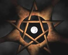 The Wiccan Pentagram Wiccan, Magick, Witchcraft Spells, Schools In Nyc, Witch School, Healing Spells, Classical Antiquity, Lord, Pentacle