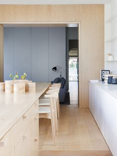 White + Pale Timber Interior Design Project: Alfred Street Residence Architects: Studio Four Photographer: Shannon McGrath Location: Prahran, Victoria, Australia Kitchen Dining, Kitchen Decor, Kitchen Island, Timber Kitchen, Plywood Kitchen, Kitchen Grey, Dining Table, Natural Kitchen, Kitchen Layout