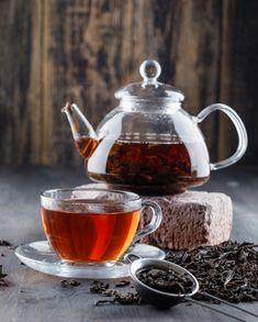 Black tea in teapot and cup with dry tea...   Free Photo #Freepik #freephoto #food #leaf #nature #health Caffeine In Tea, Brick Siding, Tea Places, Tea Benefits, Health Benefits, Tea Packaging, Teapots And Cups, Coffee Photography, Brewing Tea