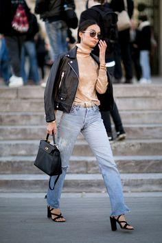 Donosimo vam neke od street style kombinacija koje vam mogu poslužiti kao vodič za nošenje kožne jakne na primjetan način.