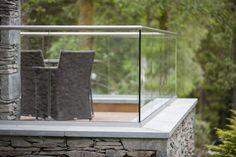 glazen balustrade bakonafscheiding