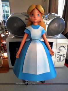 alice in wonderland papercraft 670x893 Alice